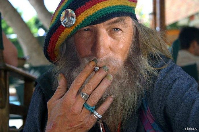 В Шумську пенсіонер «бавився» наркотиками