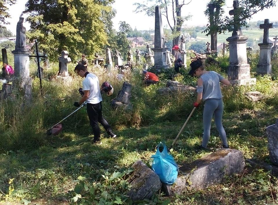 Польські волонтери допоможуть поприбирати в Збаражі