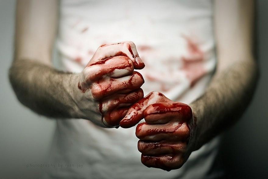 На Підволочищині юнак, якому постійно ввижалися трупи, вбив чоловіка