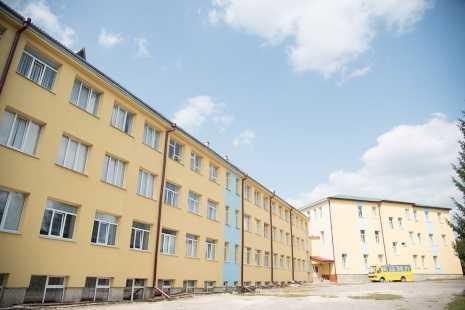 Школу райцентру утеплили за 2,75 мільйони гривень (Фото)