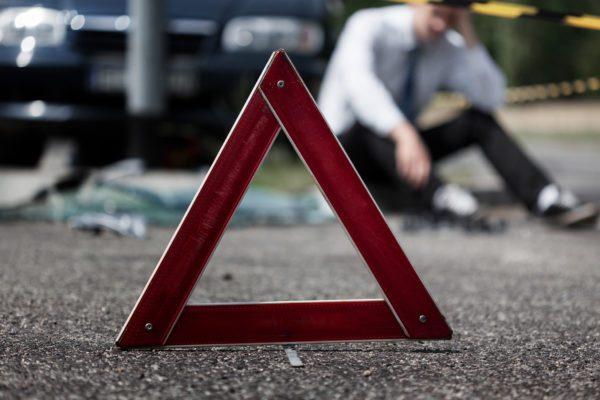 Перелом ребер і реанімація: водій збив двох чоловіків