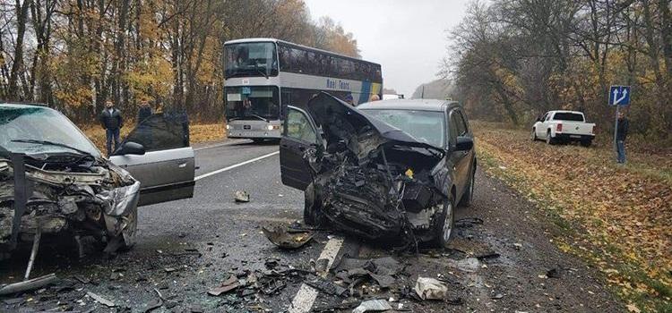 Жахлива аварія: жінка-водій втратила свідомість
