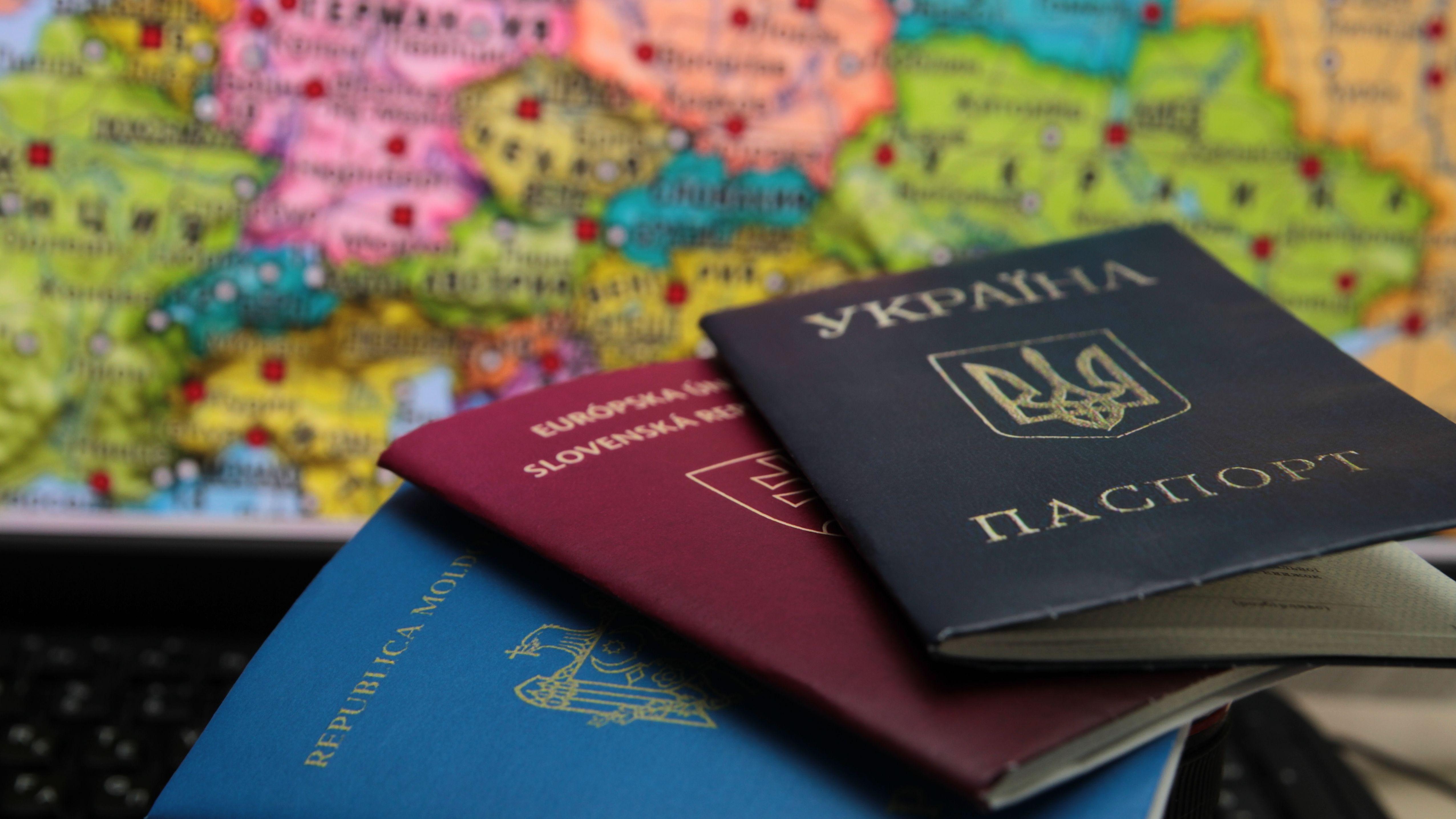 Українцям можуть дозволити подвійне громадянство