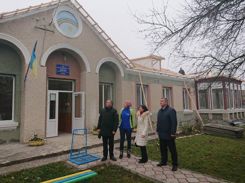 У Підволочиській громаді продовжують ремонти (Фото)