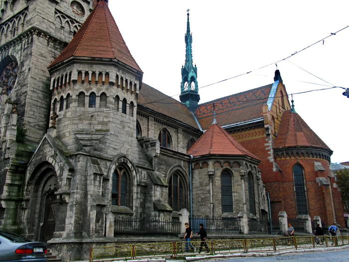 У Чортківському костелі виконали всесвітньо відому колядку під супровід бандури та баяна