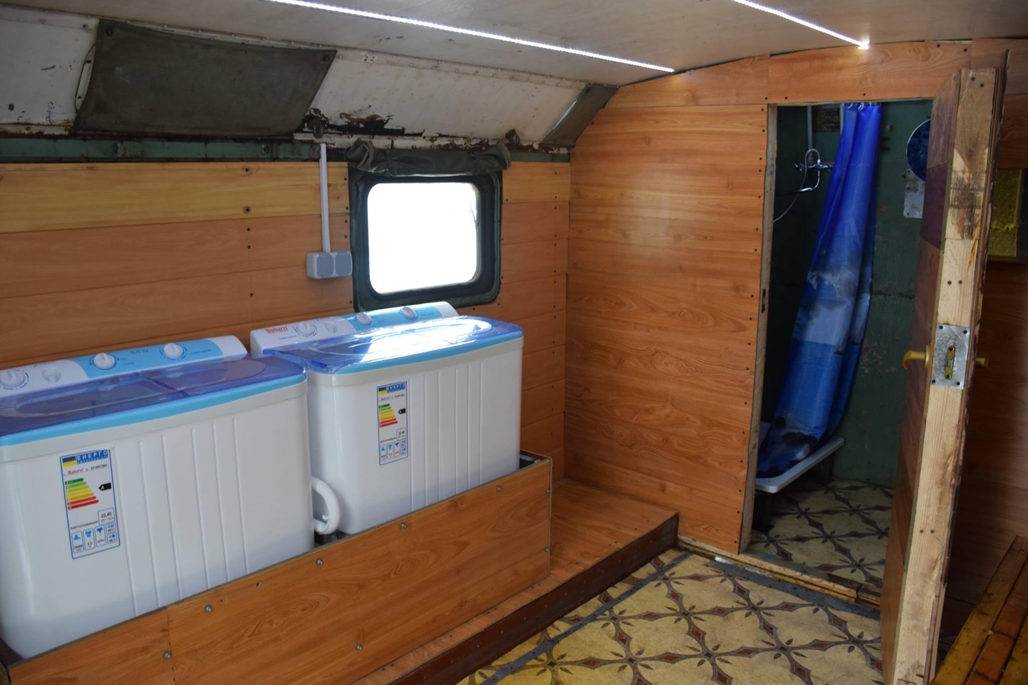 Завдяки Василю Якимику з Теребовлі та волонтерам, наші бійці отримали банно-пральний комплекс (Фото)