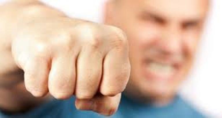 На Тернопільщині чоловік накинувся на 11-річного хлопчика