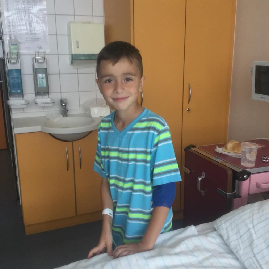 Хлопчику із Бережан потрібна допомога, до операції залишилось зовсім трішки