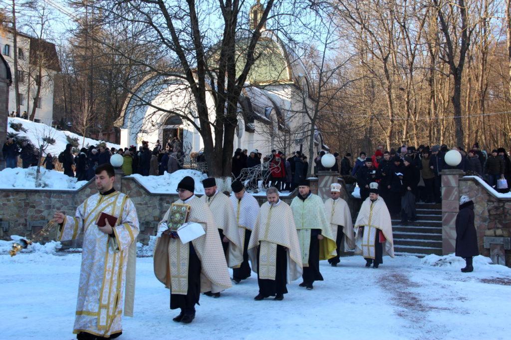 Тисячі прочан прибули до Зарваниці на Богоявлення