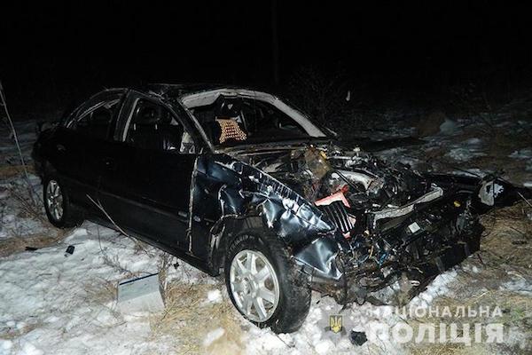 На виїзді з Бережан перекинувся автомобіль