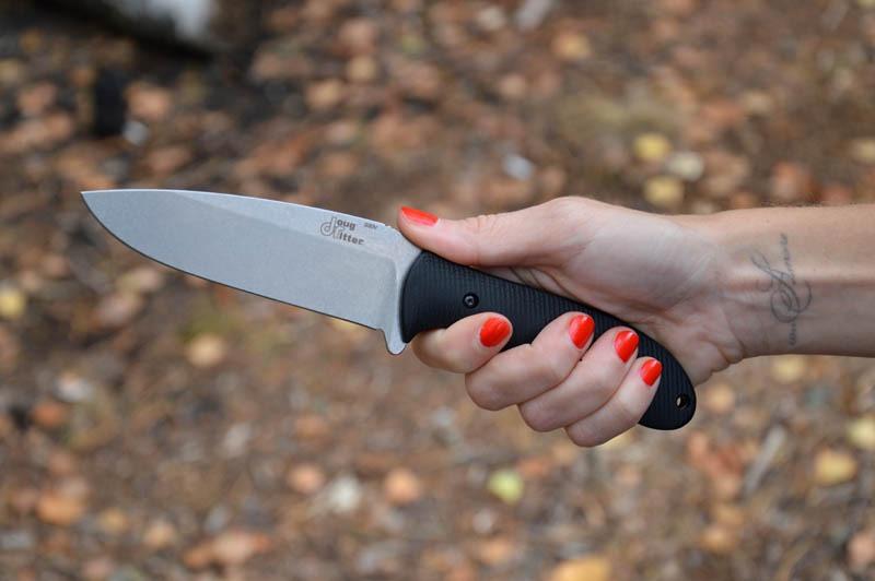 Розлючена дружина встромила ножа у шию чоловіка