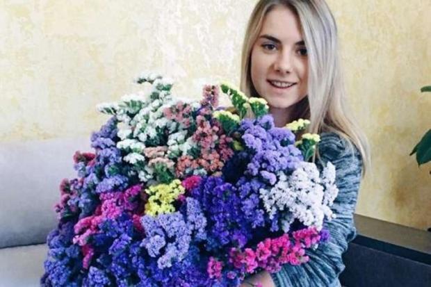 Молоде подружжя агрономів з Тернопільщини вирощує їстівні квіти (фото)