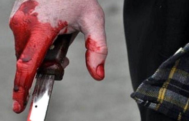 Через ревнощі чоловік порізав себе і дружину (Фото)