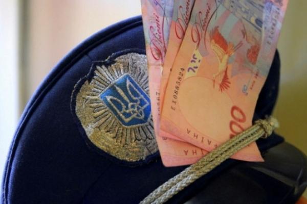Поліціянта з Шумська затримали на отриманні хабаря