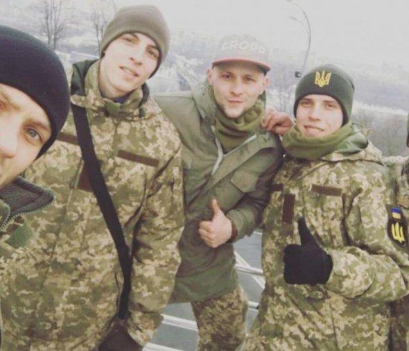 Мріяв про сім'ю, гарно співав: на загиблого снайпера з Тернопільщини полювали бойовики