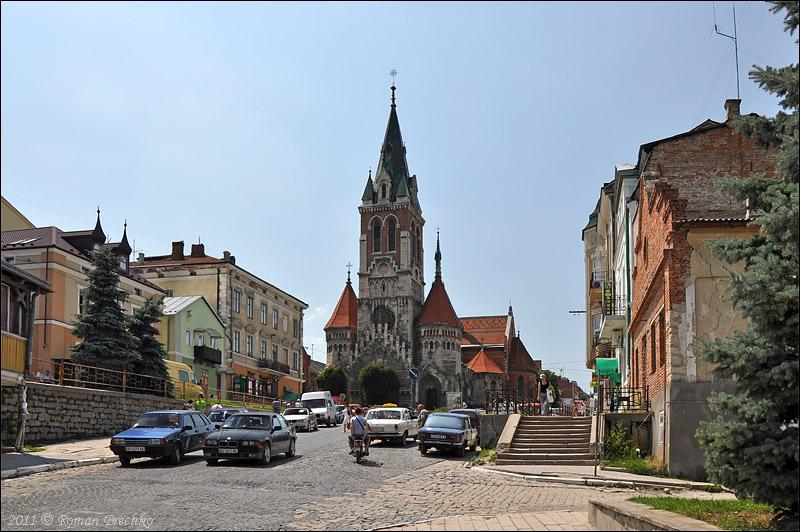 Домініканський костел у Чорткові: Одна з найкрасивіших неоготичних споруд України