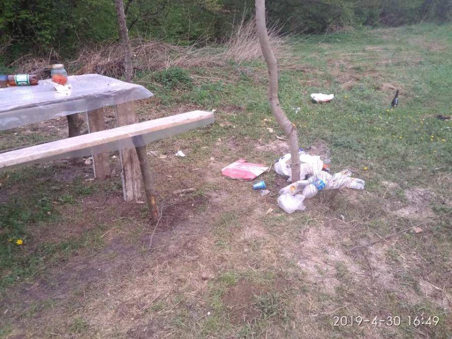 Залишають після себе гори сміття: Почався сезон пікніків