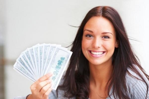 Середні зарплати українців: хто заробляє найбільше