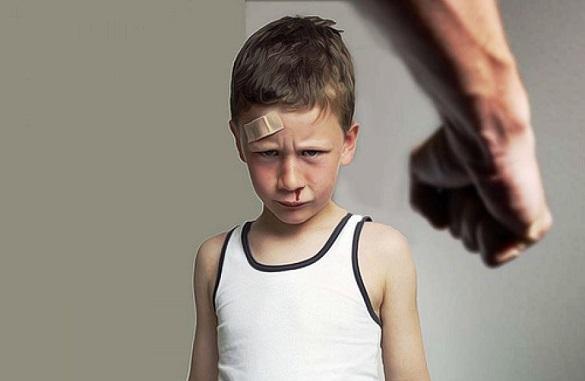 П'яниця та агресор: батько бив 12-річного сина заради грошей