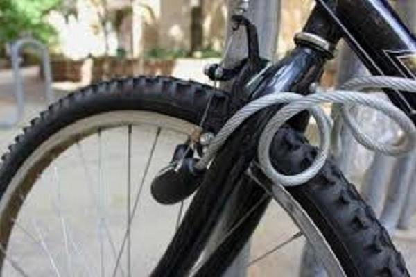 Злодій поцупив велосипед з-під дому молитви