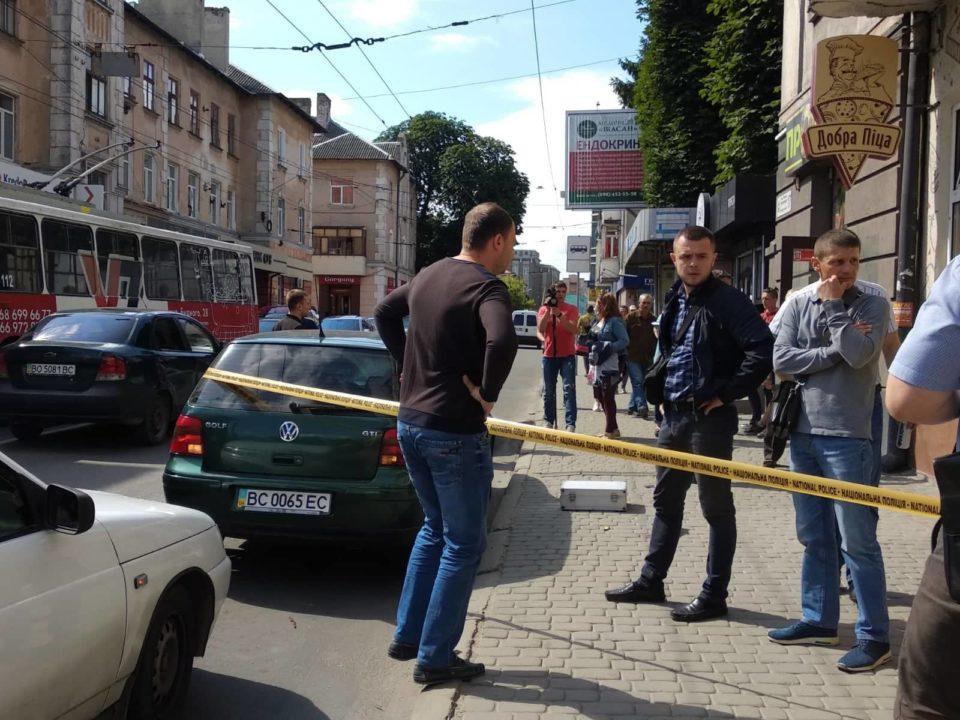 Писком до землі: З'явилось відео ефектного затримання кавказців у Тернополі
