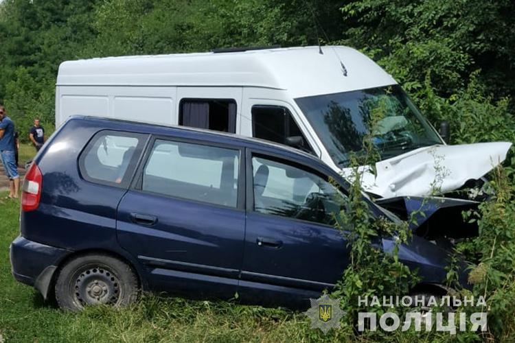 У Почаєві в ДТП потрапили мама і двоє дітей