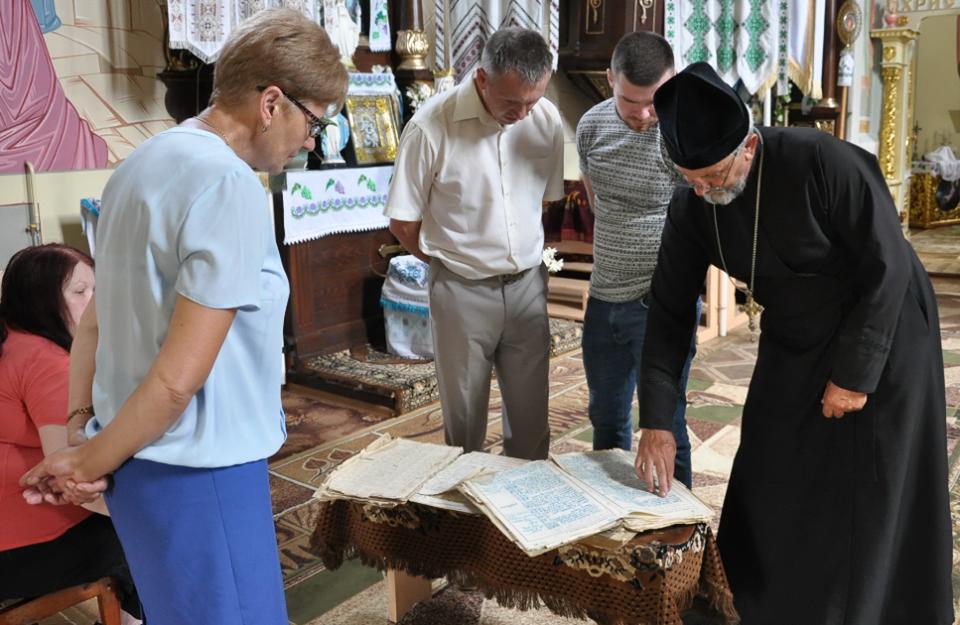 У селі на Тернопільщині зберігаються церковні книги, яким по 310 років