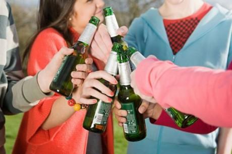 На Тернопільщині 11-річна дівчинка впала в алкогольну кому