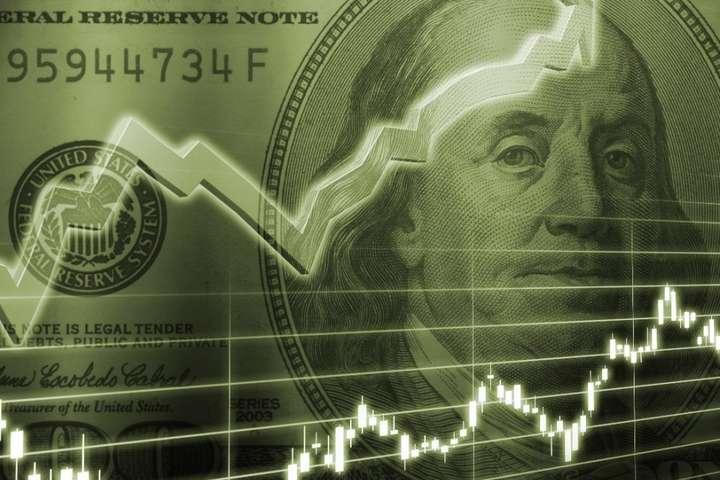 Долар летить у прірву: Що відбувається з валютою в Україні і чого чекати далі