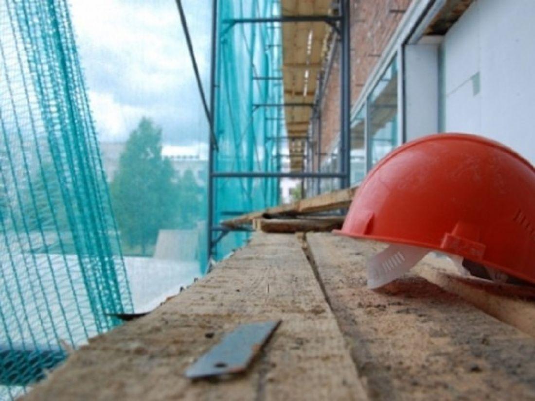 На будівництві загинув різноробочий, зірвавшись з висоти