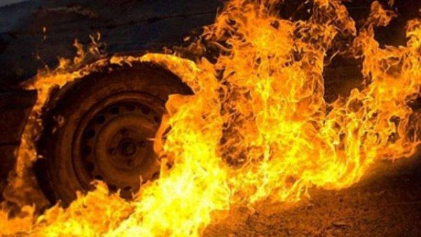 В Бучачі хтось підпалив автомобіль