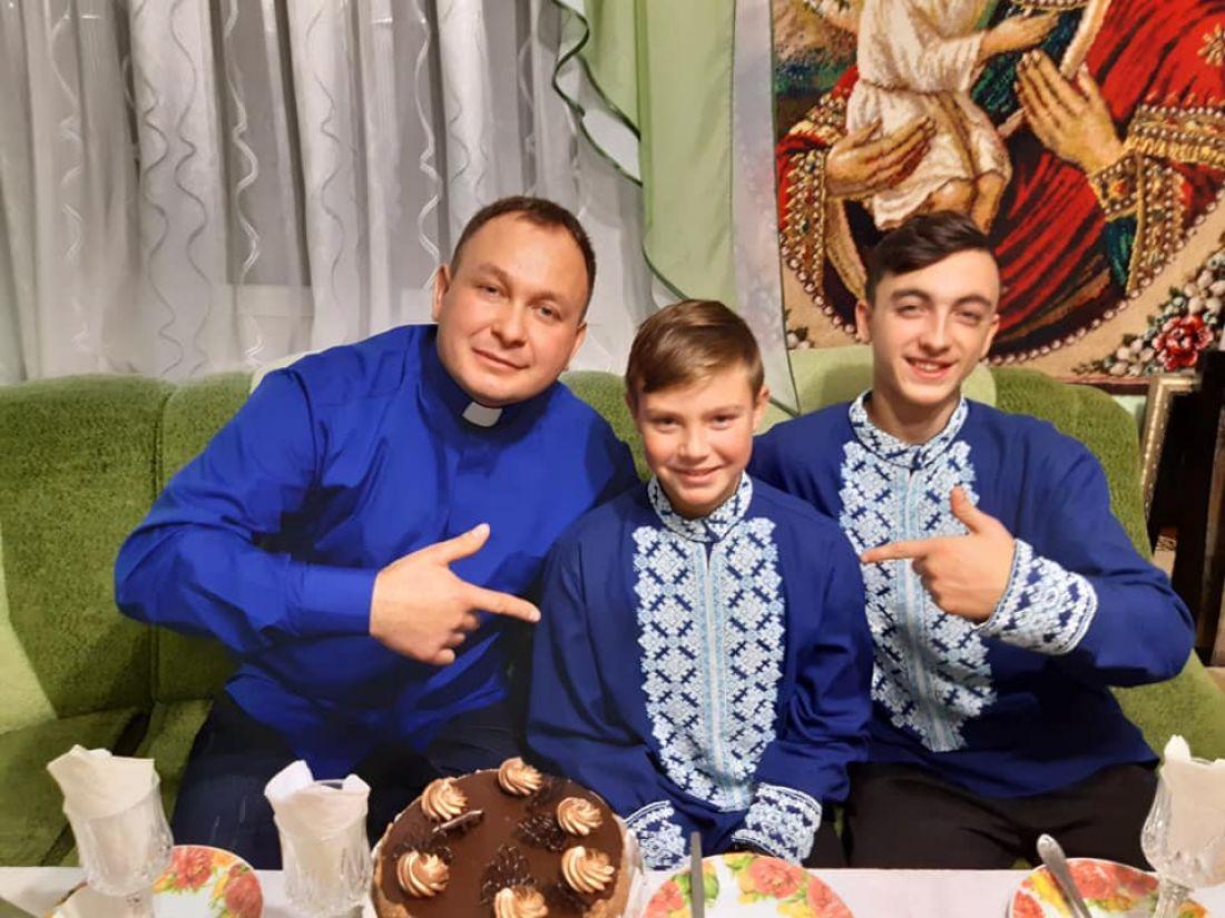 Відомий на всю країну священик з Тернопільщини взяв на усиновлення ще одну дитину-сироту