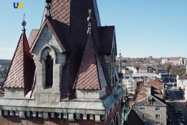 Унікальні споруди Чорткова показали на всю Україну (Відео)