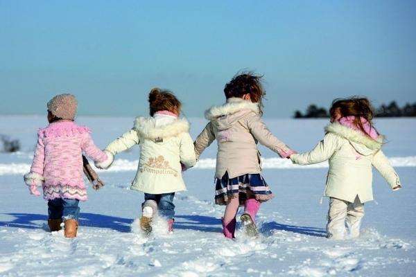 Не гуляйте в -10: Супрун розвінчала міф про прогулянки взимку