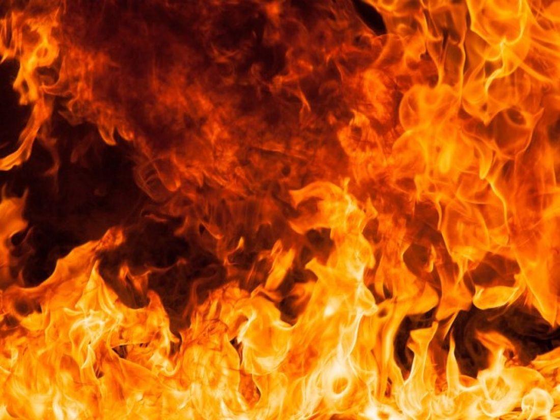 Серед ночі на Тернопільщині спалахнув житловий будинок