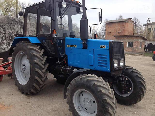 На Тернопільщині не розминулися авто та трактор з цистерною