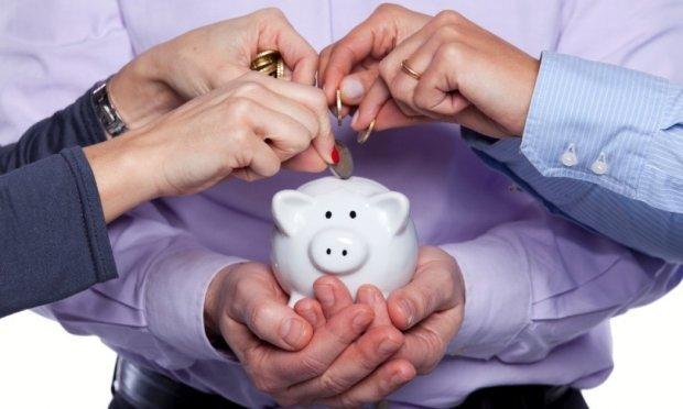 Накопичувальні пенсії в Україні: які внески зобов'яжуть платити українців