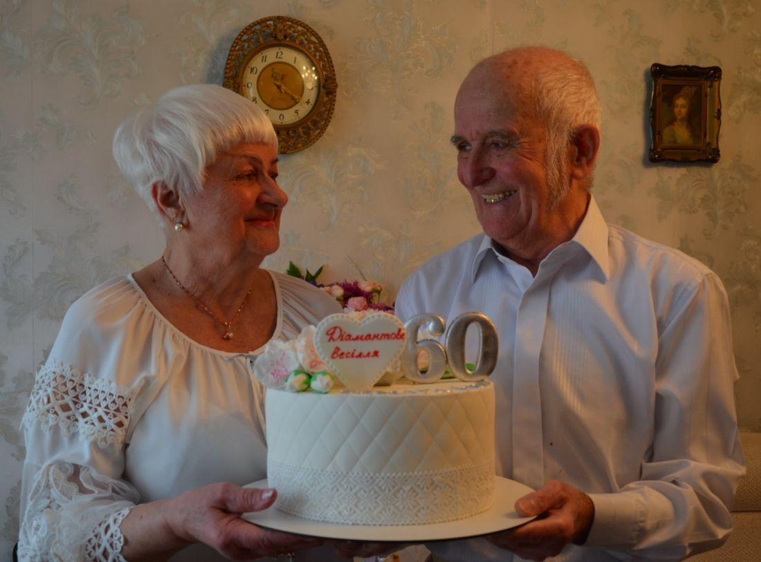 60 років разом: пара з Чорткова відсвяткувала діамантове весілля