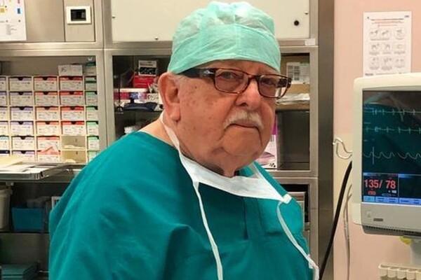 «Я дав клятву»: 85-річний анестезіолог повернувся на роботу для боротьби з COVID-19
