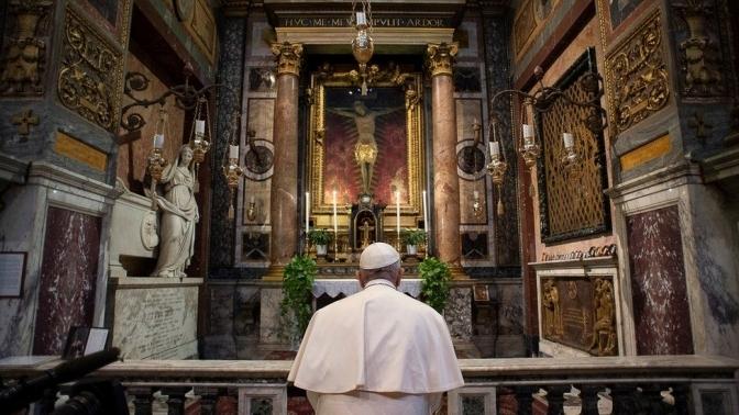 Папа Франциск сьогодні проведе особливу молитву за відпущення гріхів
