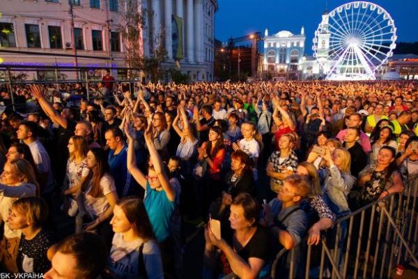 У МОЗ розповіли, коли в Україні дозволять концерти
