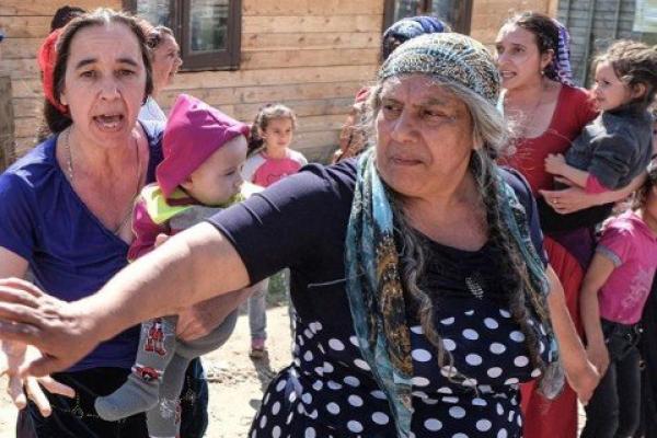 Цигани продовжують грабувати на Тернопільщині