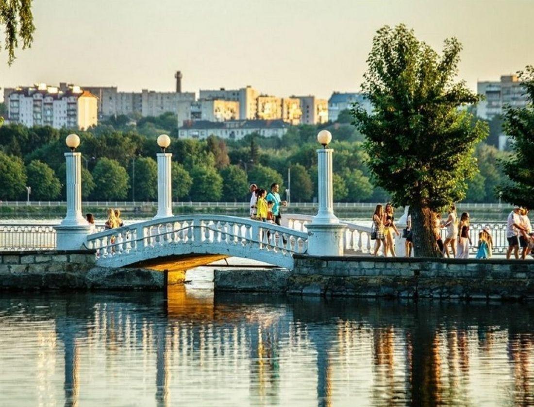 Шоу, турніри та нагородження: повідомили програму заходів у Тернополі на День міста та День пам'яті захисників