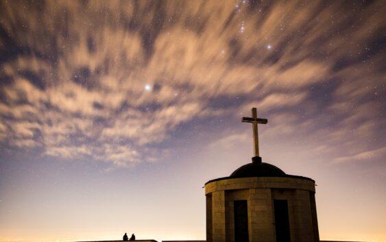 Навіщо ходити до церкви, якщо я вірю у Бога в душі?