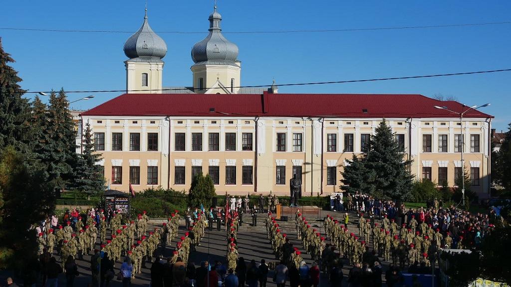 На Тернопільщині понад 100 курсантів склали присягу на вірність українському народу (Фото)