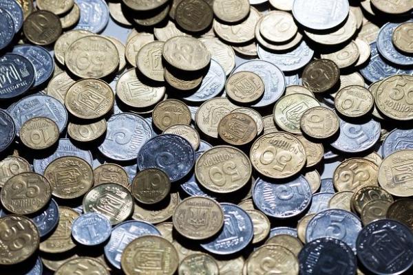 Обмін старих монет і банкнот: що робити якщо банки відмовляють і вимагають комісію