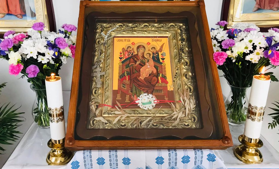В Монастириськах замироточила ікона