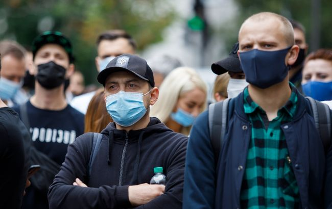 Українцям розповіли про нові правила і штрафи за неносіння масок